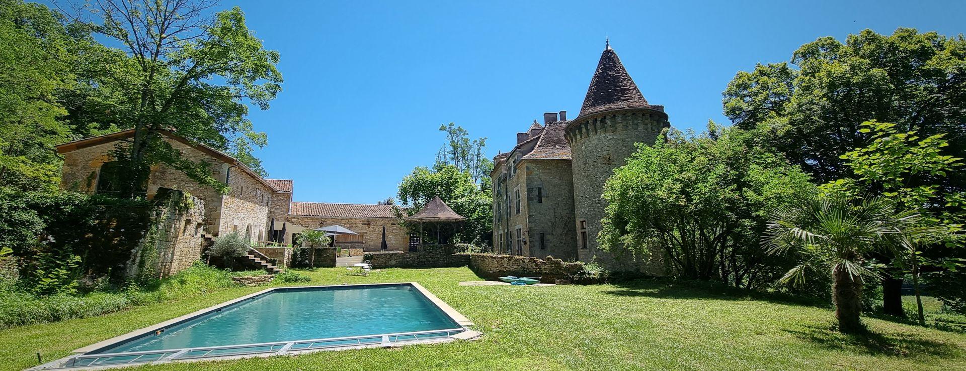 jardin et piscine au chateau